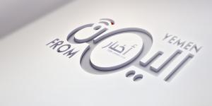 بالصور- احراق صور معين والاحمر وشعار الاصلاح في ساحة عروض عدن