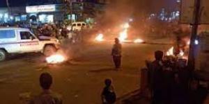 الإنتقالي يعلن اصابة عدد من جنوده جراء المواجهات مع المحتجين في عدن