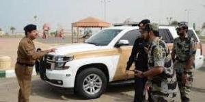"""""""يمنيي الجنسية"""" ...القبض على شخصين أتلفا """"ماكينة صرافة"""" وحاولا سرقة الأموال منها بعسير السعودية"""
