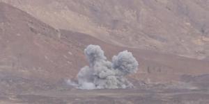 وكالة إماراتية تتهم التحالف العربي باستهداف قوات الجيش ومساعدة الحوثيين في السيطرة على جبل استراتيجي بالجوبة