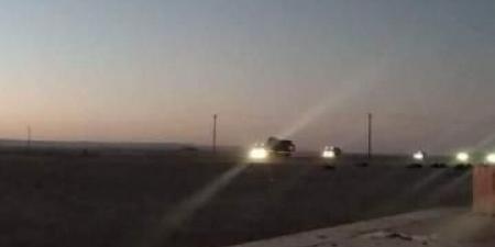 القوات الإماراتية تنسحب من معسكر العلم في شبوة وتقرر مغادرة بلحاف.. والكشف عن وجهتها القادمة