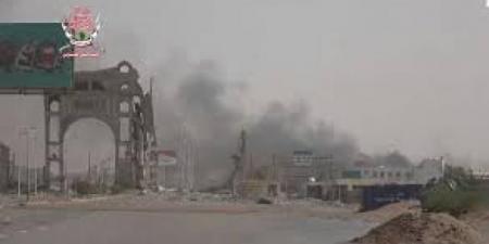 رداً على خروقاتها... القوات المشتركة تستهدف ميليشيا الحوثي في 4 مناطق بالحديدة
