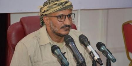 طارق صالح يعلن موقفه من الشرعية وسيطرة الحوثيين على مارب ويوجه طلبًا بشأن الرئيس الراحل
