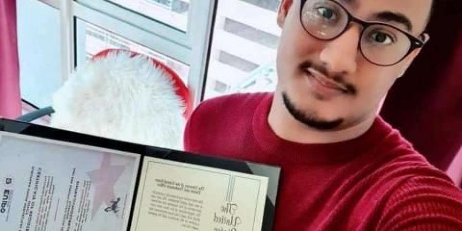 طالب يمني يحقق المركز الثاني على مستوى أوروبا ويحصل على براءة اختراع من بلجيكا