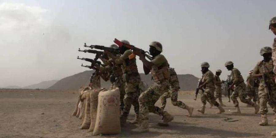 """مكتب """"طارق صالح"""": لإعادة ترتيب قيادة المعركة ضد الحوثيين واستعادة صنعاء"""