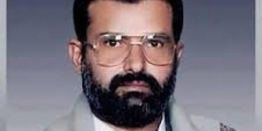 """بعد 17 سنة على موته...""""حسين الحوثي"""" يعتلي أحد معالم ثورة الـ26 من سبتمبر"""