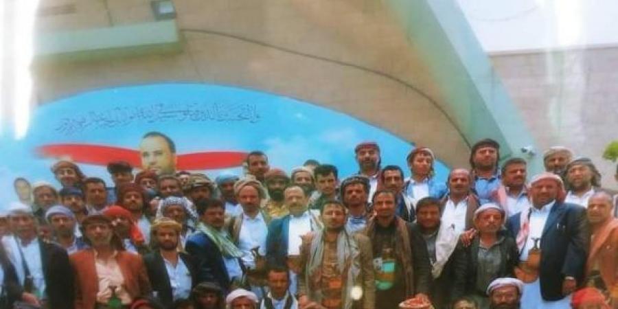 بعد قتل وجرح 11 حوثي .. رجال قبيلة همدان يتوافدوا إلى العاصمة صنعاء