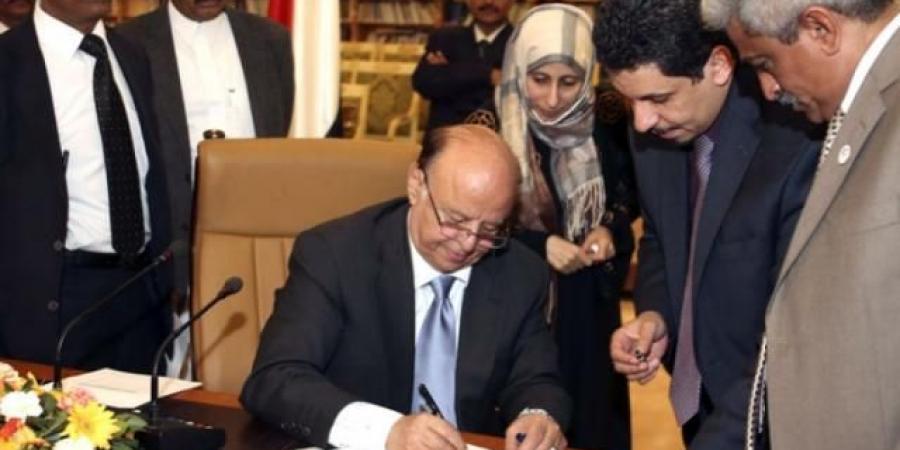 """الجبواني يحذر من الإطاحة بالرئيس """"هادي"""" ويؤكد على ضرورة إقالة مسؤول حكومي رفيع لإستمرار الدولة"""
