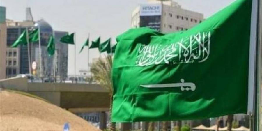 """""""السعودية"""" تلمح بشن ضربة جديدة بعد تصعيد الحوثيين وبدء تحركات أمريكية في الخليج"""