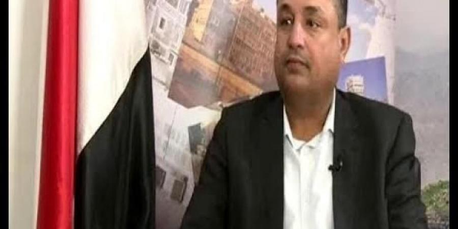 """وزير جنوبي في حكومة المليشيا مهاجما قيادات حوثية : """"الحمد لله انهم سمحوا لنا كجنوبيين البقاء في صنعاء دون تصريح إقامة"""""""