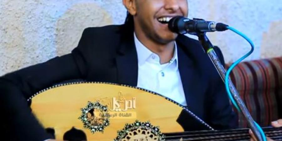 """ضربت الوتر الحساس للهاشميين .. شاهد الأغنية التي أزعجت الحوثيين وتسببت في اعتقال الفنان """"أصيل أبو بكر"""""""