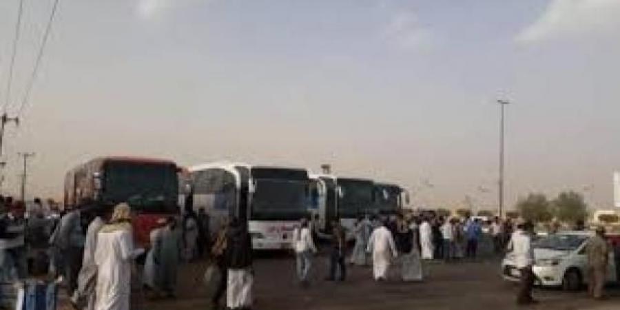 """""""الصحة"""" تزف بشرى سارة للمغتربين اليمنيين وتعلن بدء توزيع لقاحات """"كورونا"""""""