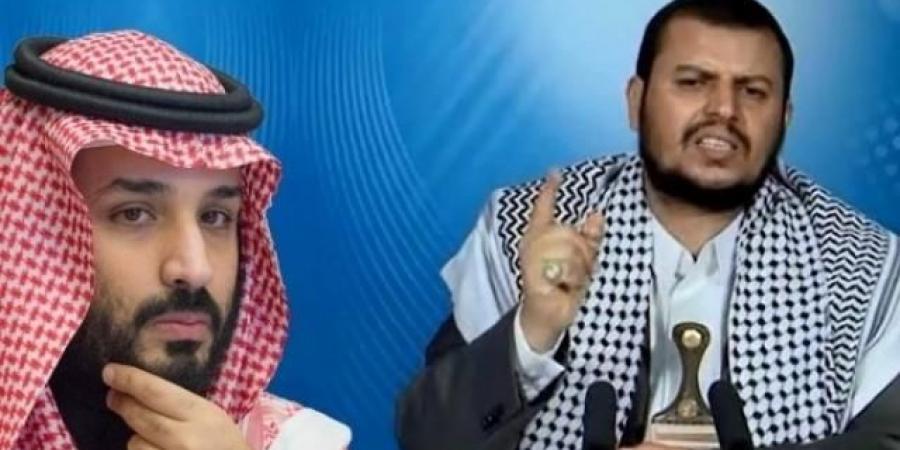 """كاتب سعودي يكشف النقطة التي يمكلها """"الحوثي"""" ويتفوق بها في الحرب على التحالف العربي"""