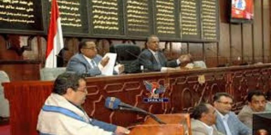 """انقسام ساخن وجديد بين """"المؤتمر"""" و""""الحوثيين"""" بصنعاء"""