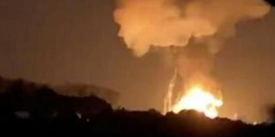 ضربات استباقية لمنع الحوثيين من تنفيذ عملية عسكرية.. مصادر تكشف أهداف ضرب التحالف مواقع حوثية في تعز