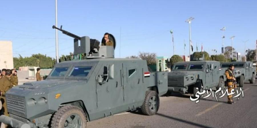 """قيادي حوثي من صعدة يجتاح مسقط رأس الرئيس """"صالح"""" بأكثر من عشرين عربة مسلحة"""