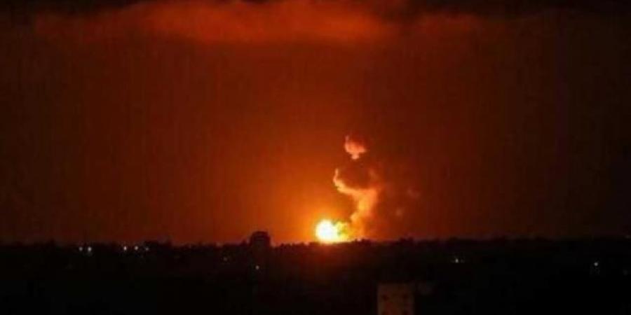 التحالف يبدأ بتنفيذ عملية عسكرية ضد الحوثيين في تعز ودوي انفجارات عنيفة تهز المدينة الآن