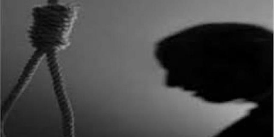 بعد رفض والدها لسفرها إلى مأرب... فتاة في الـ16 من عمرها تقتل نفسها بمحافظة إب