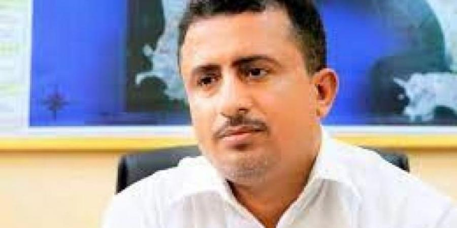 بسبب خلافات...مدير كهرباء عدن يلوح بالإستقاله