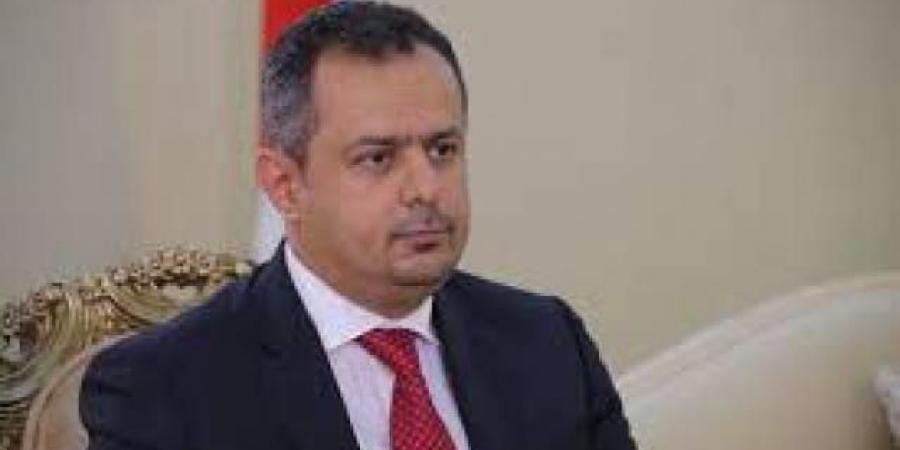 """""""عبدالملك"""" يطلع على جريمة مقتل الشاب """"السنباني"""" من محافظ لحج ويصدر توجيها هاما"""