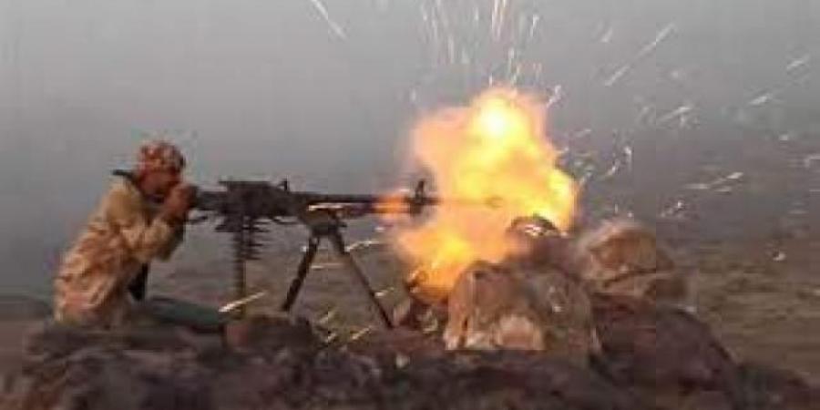 مليشيا الحوثي تتسلل إلى مواقع الجيش في إحدى جبهات مارب واندلاع معارك عنيفة.. والكشف عن آخر التطورات