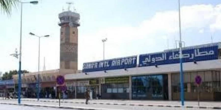 مسؤول حكومي يكشف عن اتفاق بين الإمارات والحوثيين يقضي بفتح مطار صنعاء