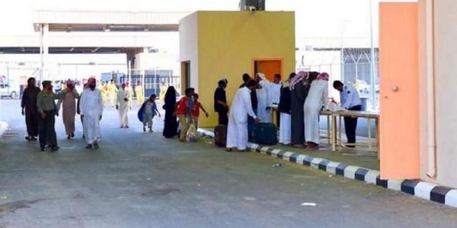 وزير الصحة يعلن أماكن أخذ لقاح كورونا لجميع المواطنين من مختلف المحافظات اليمنية (صور)
