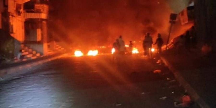 بعد إعلان حالة الطوارئ.. تصاعد الاحتجاجات المناهضة للمجلس الانتقالي في ثالث محافظة جنوبية