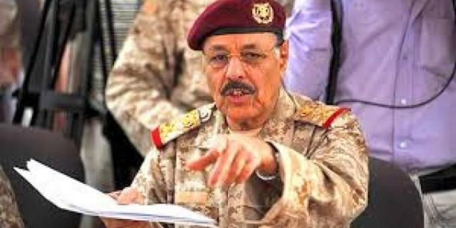 الجنرال الأحمر يوجه دعوة لجميع اليمنيين بشأن خوض المعركة المصيرية ضد الحوثيين