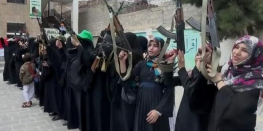 زينبيات الحوثي يداهمن بيوت موظفات في الداخلية والأمن السياسي بصنعاء