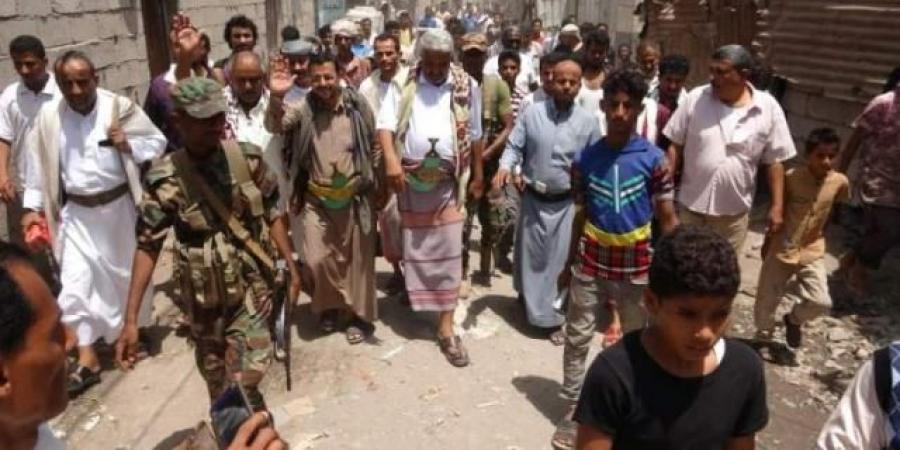 بالصورة.. مليشيا الحوثي تعترف بمصرع أحد قياداتها البارزة في بيحان.. كان برفقة ''محافظ الحديدة''