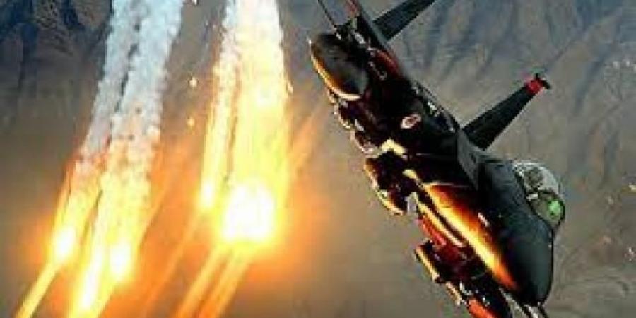 مقاتلات التحالف العربي تكسر هجوما حوثيا كبيرا على معسكر استراتيجي جنوبي مارب