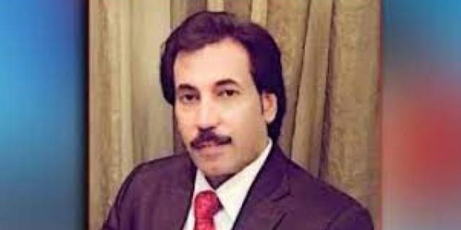 ''البيض'' يخرج عن صمته ويكشف هوية المستفيد من الاشتباكات في عدن ويوجه رسالة عاجلة للانتقالي