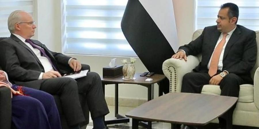 """المبعوث الأمريكي يكشف عن """"حجر عثرة"""" المفاوضات اليمنية"""