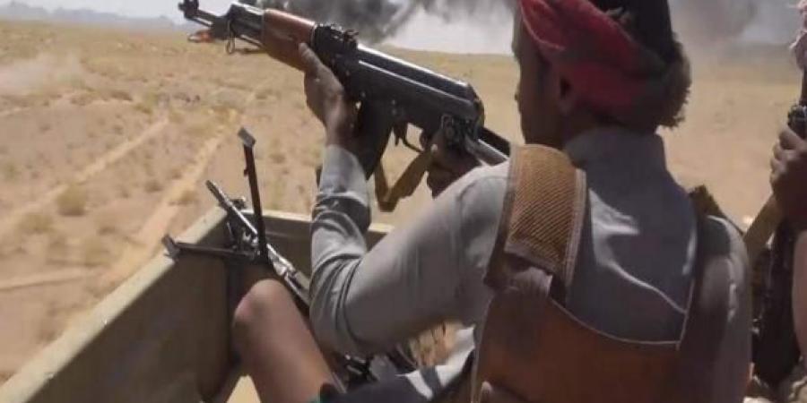تغيّر جديد في سير المعارك .. والدفاع يتحول إلى هجوم وفرار الحوثيين بعد عملية خاطفة