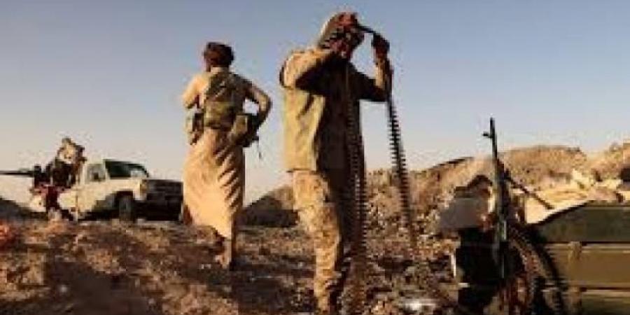 الجيش اليمني والقبائل يستعيدون مواقع استراتيجية جنوبي مارب