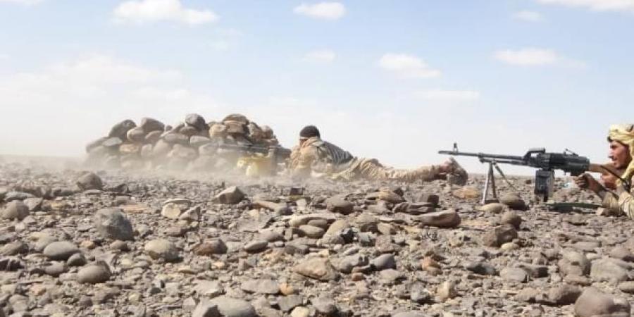 عملية نوعية تستهدف اجتماعًا للحوثيين .. ومصادر تكشف ما حدث