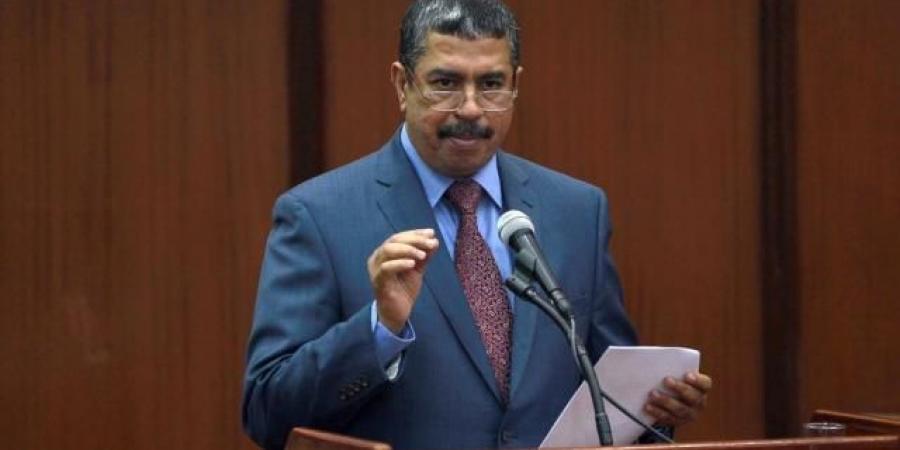 """""""بحاح"""" نحو كرسي الرئاسة بدعم من رجل أعمال سعودي من أصل يمني"""