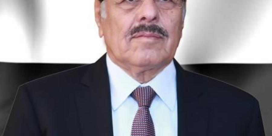 الجنرال الأحمر يؤكد على ضرورة رص الصفوف في مواجهة مليشيا الحوثي