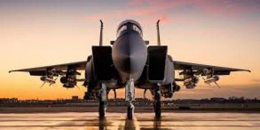 بنحو 50 غارة جوية.. طيران التحالف يدك معسكرات الحوثيين في ثلاث محافظات