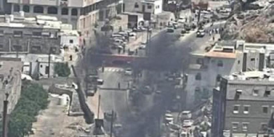 انفجار عنيف يهز عدن وانباء عن محاولة اغتيال المحافظلملس