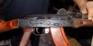 مقتل مسلح حوثي على يد زميله داخل مقر المليشيات في صنعاء